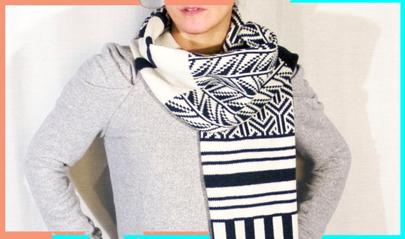 Scarf Knitted in Wool, Long and chunky - Ghucci- Knit Mystique