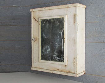mid century - vintage  - farmhouse - Medicine Cabinet
