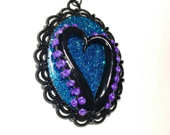 Tentacle cameo necklace. Octopus necklace. black, purple, blue. Gifts for her. heart necklace