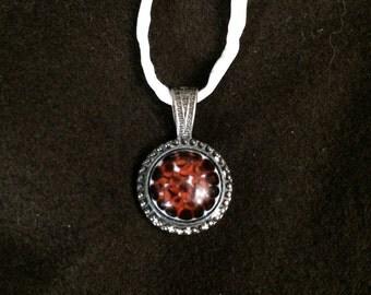 Red-orange Fizz Mini Medallion