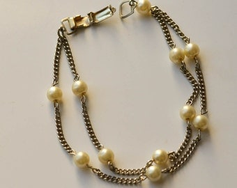 Pearl and Chain Bracelet Vintage Faux Pearl And Chain Bracelet