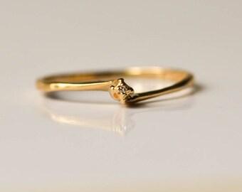 Engagement Ring, Vintage Simple Diamond Ring, 10K Gold, Size 7.5
