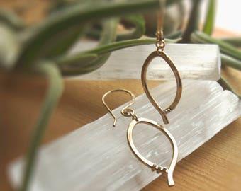 Basic Studded Leaf Earrings