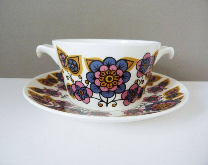1970's Bowl and plate set flower power