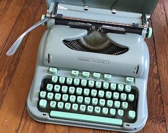 Vintage Typewriter Hermes 3000 Sea Foam Seafoam Green Typewriter Cursive Script Font 1960s Typewriter Rounded Corners Working