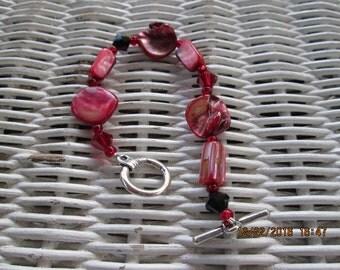 223  Red shell, mother of pearl, Swarovski crystal handmade beaded bracelet