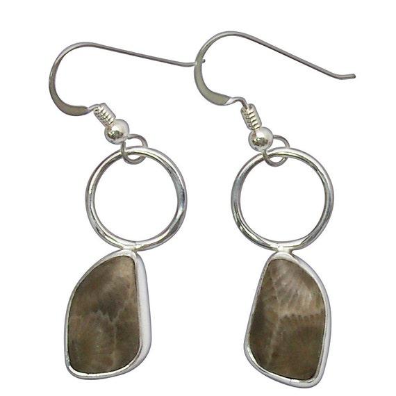 Petoskey Stone dangle earrings set in Sterling Silver  epkye2754