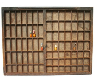 Vintage Printers Tray (c.1940s) Letterpress Typeset Drawer for Shadowbox or Jewelry Display or to Hold and Sort Buttons or Beads