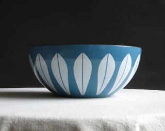 Vintage Cathrineholm Lotus Bowl - White on Blue Enamel - Mid Century Modern Enamelware Kitchen Decor - Scandinavian Norway 8 Inches 1960s