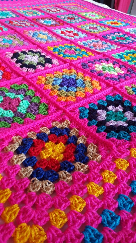 Retro Vintage Style Granny Squares Shocking Pink Blanket Afghan Sofa Throw