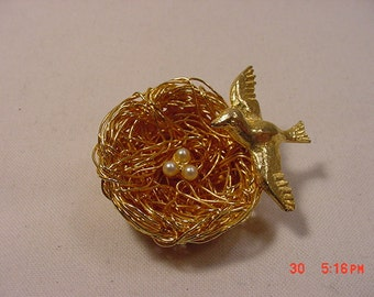 Vintage Jeanne Birds Nest Bird Brooch  16 - 688