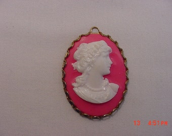 Vintage Pink & White Cameo Pendant  17 - 313