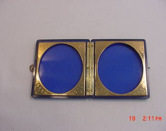 Vintage Blue Lucite Double Picture Display Box  17 - 604