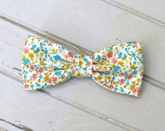 Coral Blue Yellow Floral Bow Tie, Vintage Bow Tie, Floral on Cream Bow Tie, Wedding Bowtie, Mens Bow Tie, Kid Bow Tie, Groom & Groom Bow tie