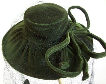 Vintage dark green velvet hat fascinator mini hat with big bow and polka dot long netting Stanley hat vintage millinery