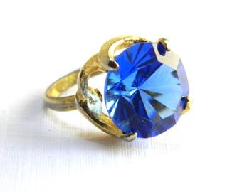 Vintage Gold Blue Sapphire Solitaire Cocktail Ring - 7 Carats Round Faceted Glass - September Birthstone - Adjustable - Hollywood Statement