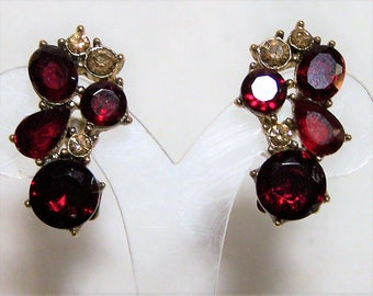 Monet Ruby Red Rhinestone Earrings, Gold Tone Setting. Hinged Clip On Style, Signed, Vintage Jewelry, Costume Jewellery 417hz