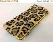HOLIDAY SALE Vintage Leopard Print Wrislet //Mini Purse Evening Bag 1960's // Cat Print Clutch