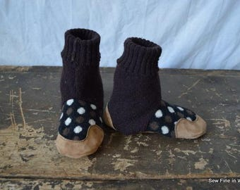 Kid's size 12 (EU 29.5) POLKA DOT Felted Wool Soccasins with Leather Soles, Toes and Heels
