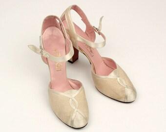 vintage 1930s deco heels • ivory silk satin wedding shoes