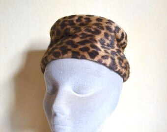 1960s Leopard print faux fur pillbox hat / 60s animal print pill box mini hat