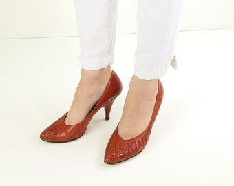 VINTAGE 1980s High Heels Rust Leather Pumps Size 8