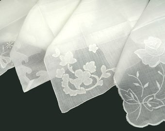 Lot of 4 White on White Hankies Hand Rolled Scallop Edges Applique Reverse Applique Embroidery Excellent Condition Wedding Bridal Sympathy