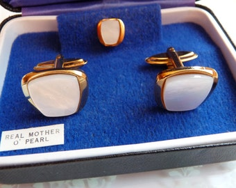 English Mother of Pearl Cuff Links and Tie Pin in Original Box SOPHOS England