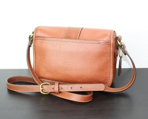 9f18c7ca2351 Vintage Coach Sheridan Messenger Cross Body Bag