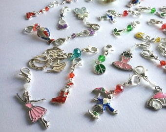 4 assorted progress keepers/stitch markers for knitting or crochet