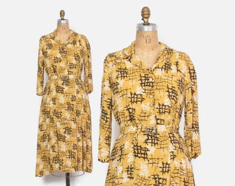 Vintage 40s Rayon DRESS / 1940s Abstract Print Long Sleeve Belted Day Dress M