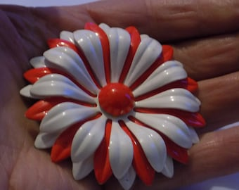 Vintage brooch, floral brooch, 1960s brooch, flower power brooch, red and white enamel brooch, hippie brooch