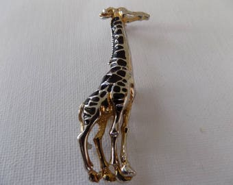 Vintage brooch,long and languid black enamel giraffe African animal brooch,jewelry