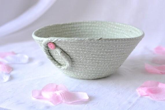 Cute Green Basket, Handmade Pastel Mint Basket, Key Holder bowl, Moss Green Bowl, Cute Desk Accessory Basket, Paperclip Holder