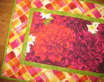 Floral Table Runner Dahlias, quilted, Wall Hanging fabric from Timeless Treasures by Chong-A Hwang