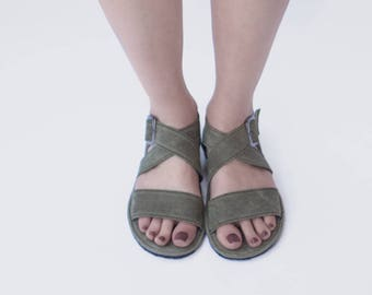 Sandal X in olive - Handmade leather sandals - CUSTOM FIT