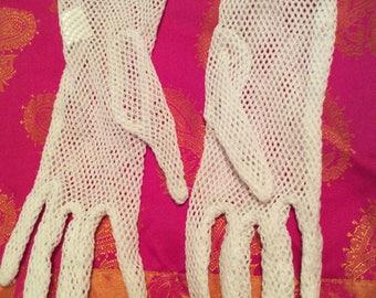 Fishnet gloves one size soft nylon stretchy white 80s vtg sheer new