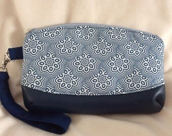 Navy and White Art Gallery Fabrics Wristlet