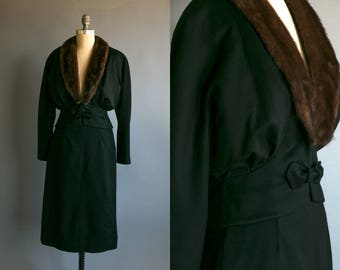 Vintage 1950's Wool and Mink Fur Collared Two Piece Outfit/ Pencil Skirt and Blazer/ Women's High Fashion Retro Mad Men