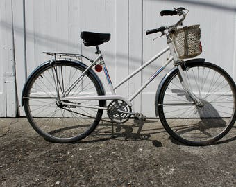 Bike Ride... Vintage White Woman's Sears Free Spirt Bike, Three Speed,  Beach Cruiser