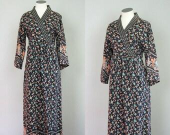1970s Maxi Dress. 70s Maxi Dress. Cotton Maxi Dress. 70s Floral Dress. Floral Print Dress. Navy Blue Dress. Kimono Wrap Dress. Size Small