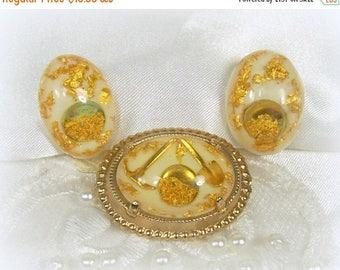 Spring Special Sale Vintage Brooch Earrings Set Panning For Gold Shovel Pick Pan in Lucite White Screwback Gold Flake Foil