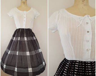 Vintage 1950s Dress / Black and White / XS