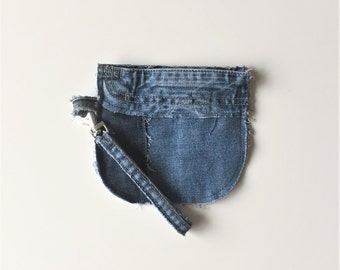 recycled denim wristlet - cute patchwork jeans wristlet - small jeans zipper bag - upcycled blue cotton jeans clutch - eco friendly wristlet