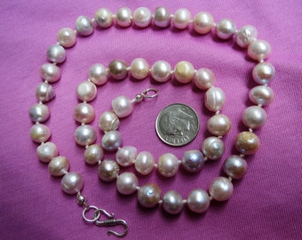 OOAK Mauve & Peach Cultured Pearl Necklace Hand Knotted 20 inches