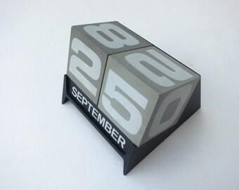 Vintage Perpetual Calendar Autopoint Dateblocks Cube Desk Calendar