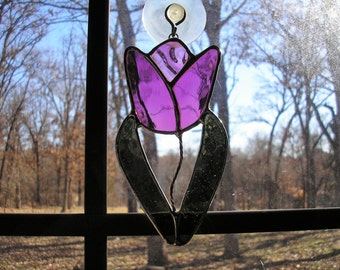 LT Stained glass, mauve, Tulip, Flower, sun catcher, my hand made in the USA, window decoration, unique gift, garden flower, accent decor