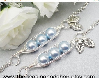 Christmas Sale Set Of 2 - 3 Sweet Peas In A Pod Silver Bracelets Choose Your Color or Number of Pearls For Mother's Sister Grandma Best Frie