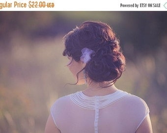 SALE Bridal Hair Pins - Tulle Flowers - White Flowers - Wedding Hair Pins - Hair Accessories - Flower Girl Headpiece - Bridesmaids Gift
