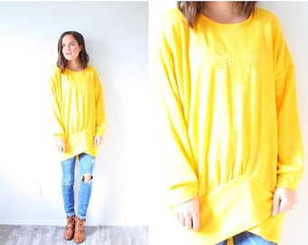 30% OFF VALENTINES SALE Vintage yellow long sleeve shirt // oversized sweater // winter spring sweater // yellow jumper // light yellow //fl